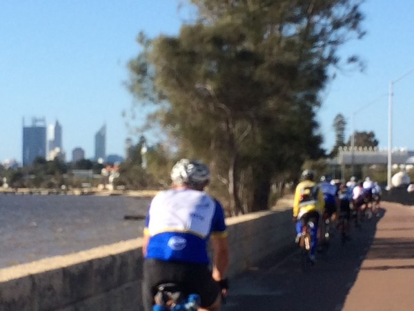 Approaching the end on the bike path into town. photo: Banks